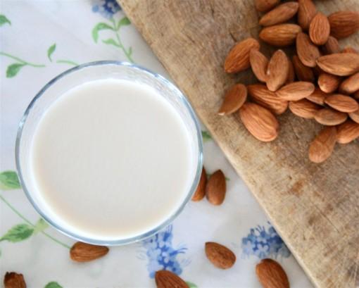 Almond-Milk-03-510x409